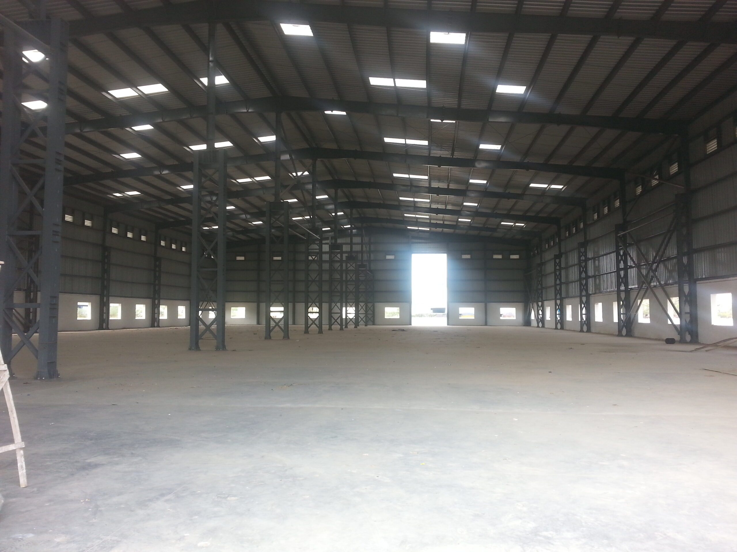 85000 Sq.ft Industrial Shed for rent in Kadi
